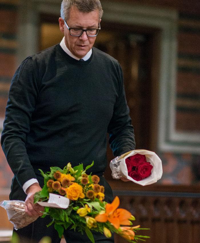 Minnesrummet-Axelssons-Begravningsbyrå-bild_forberedelser_4