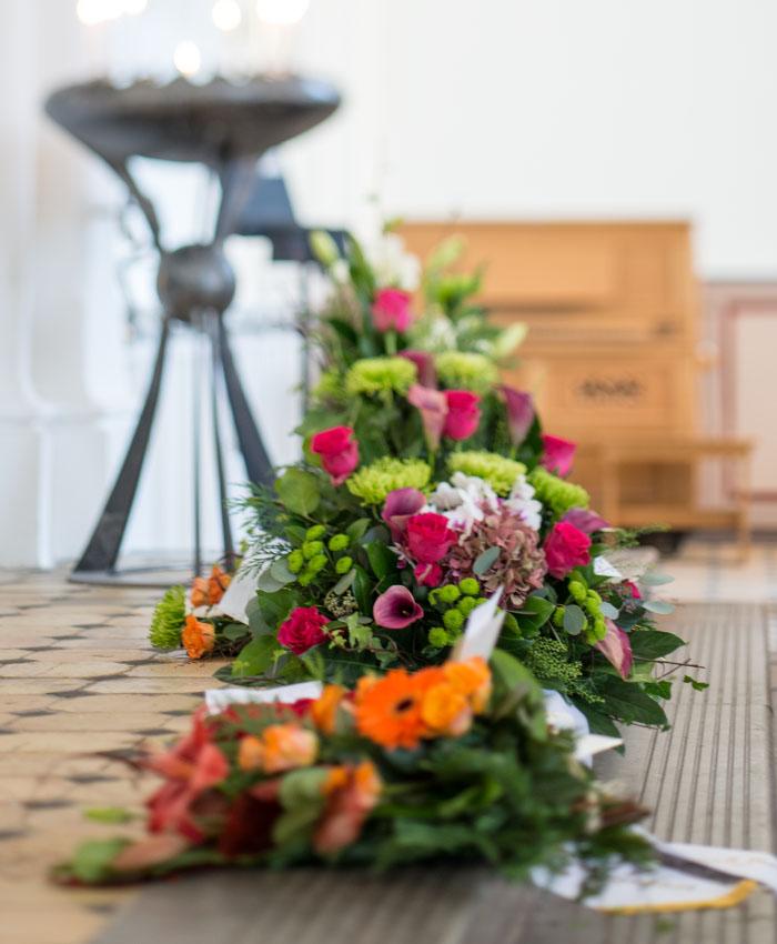 Vid dödsfall i Lund med omnejd - Hur gör jag nu - Hjälp finns nära dig - bild_blommor_lomma